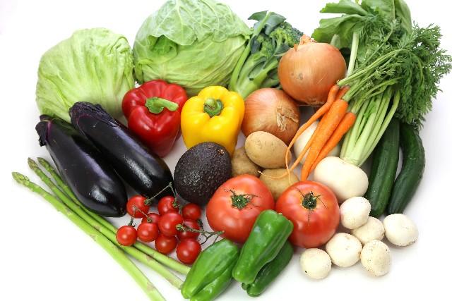 白髪の予防につながる食品をバランスよく食べること